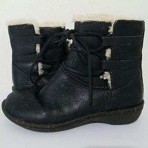 UGG Australia Cove Ankle Sheepskin Boots Size 8